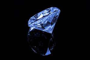 diamond hands are made with social media